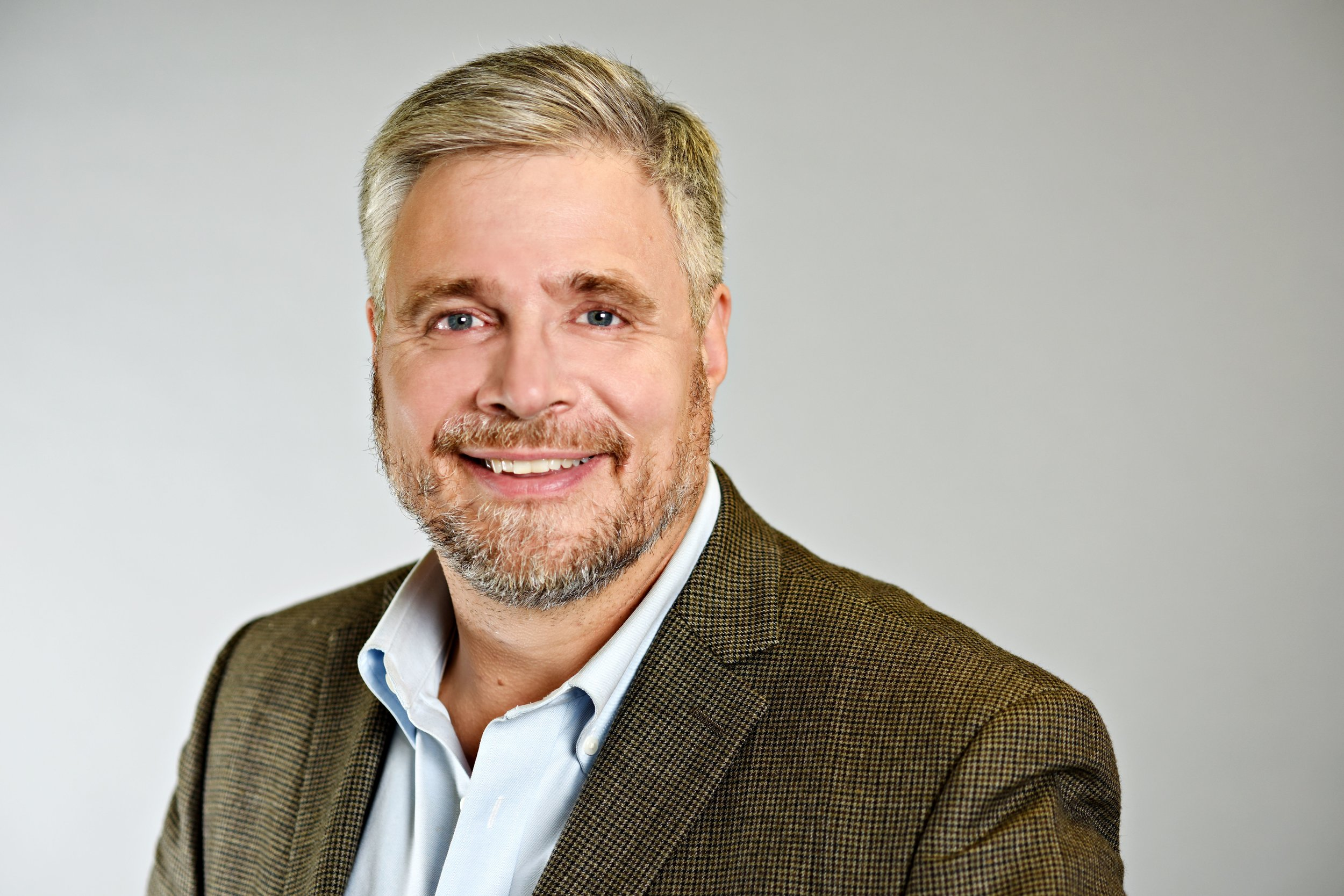 Emcee : Dr. Stephen Scharper, Associate Professor, U of T