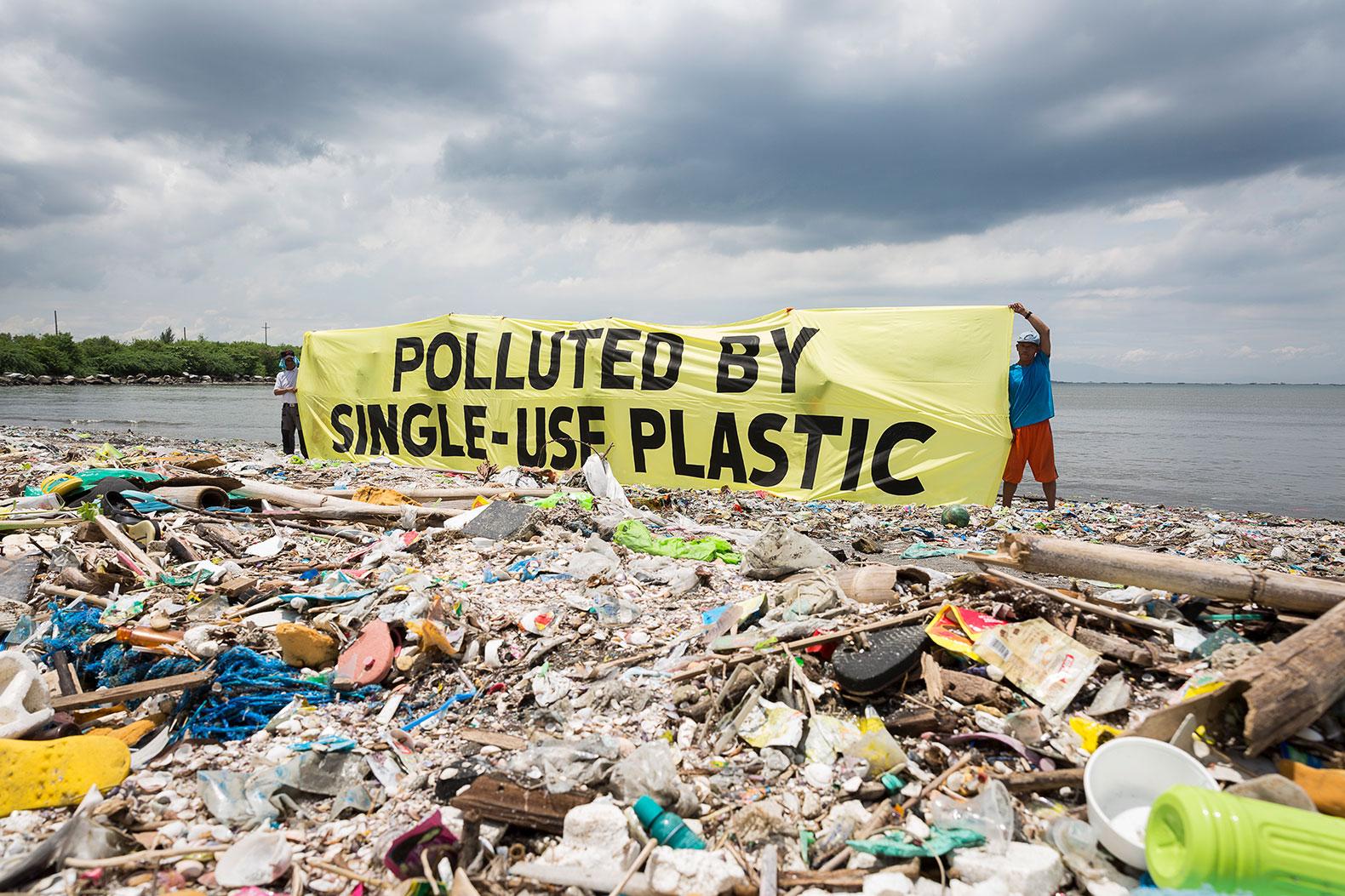 Plastic-Trash-Philippines.jpg