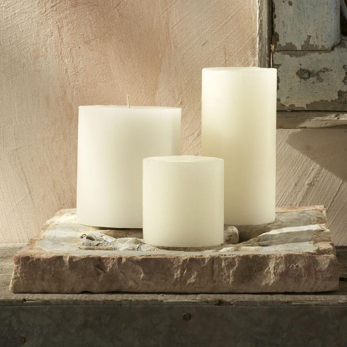 WE-unscented-round-pillar-candles-a026-zoom.jpg