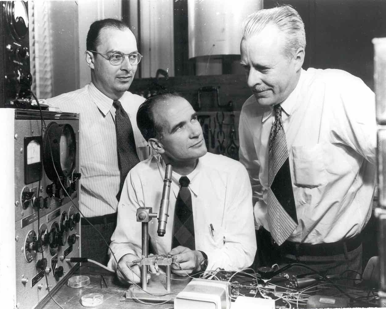 Solid state physicists John Bardeen, William Shockley, and Walter Brattain at Bell Labs in 1948.