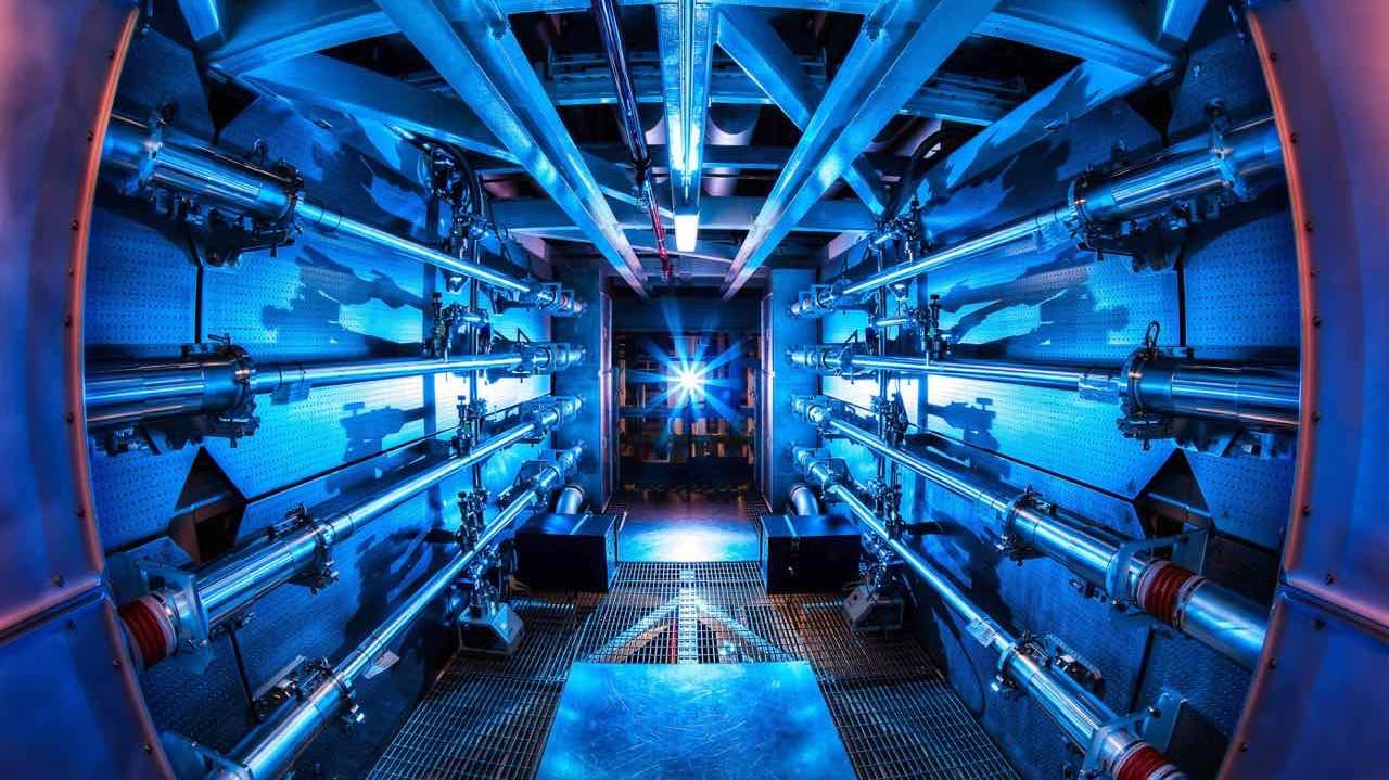 Preamplifier_at_the_National_Ignition_Facility.jpg