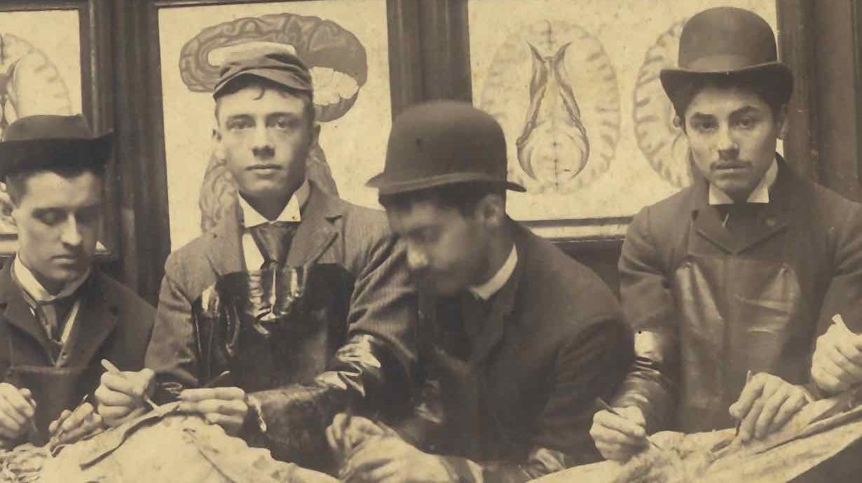 Univ_of_Penn_first_year_medical_students_1890 (1).jpg