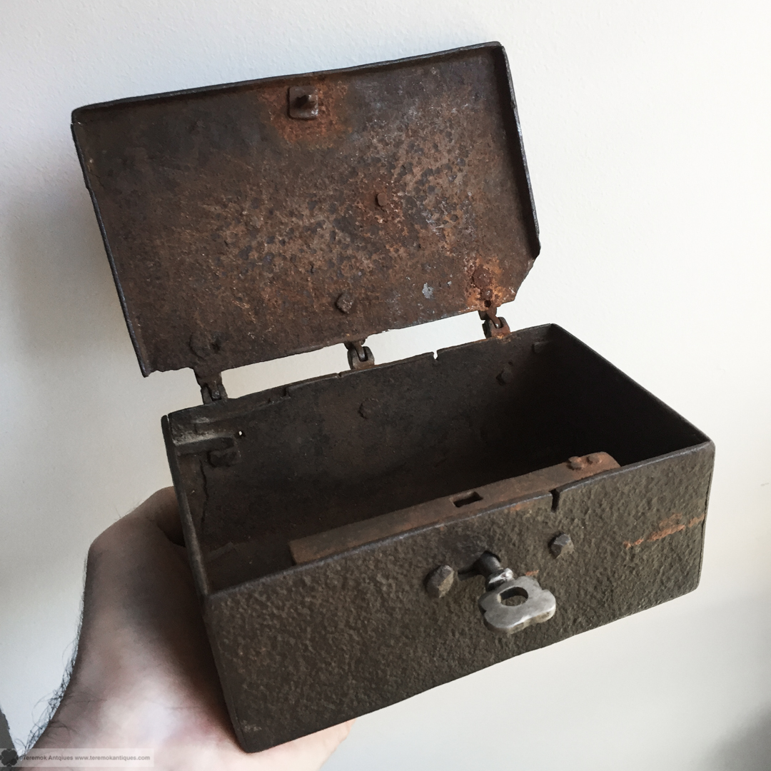 16_11_22_teremok_antiques_SM_casket_004.jpg