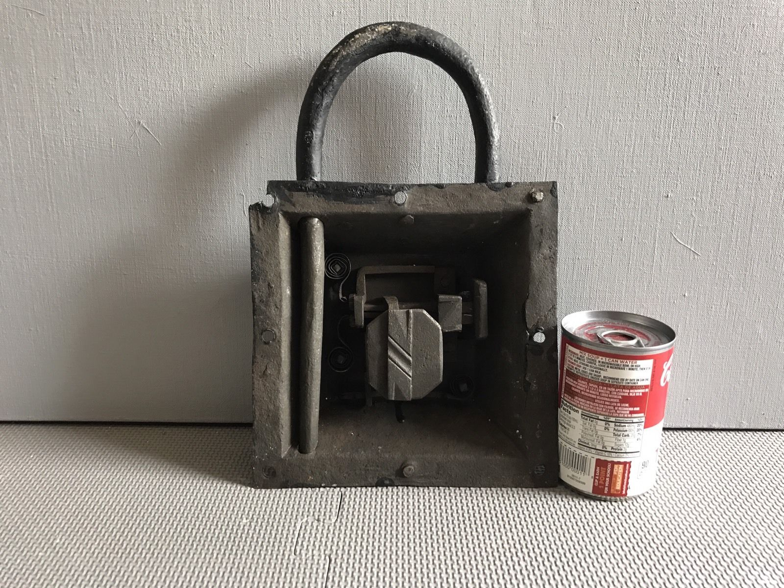 teremok_antiques_medieval_padlock_1.jpg