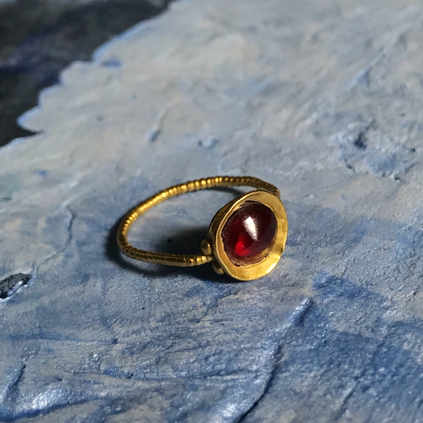 teremok_antiques_middle_ages_garnet_ring.JPG