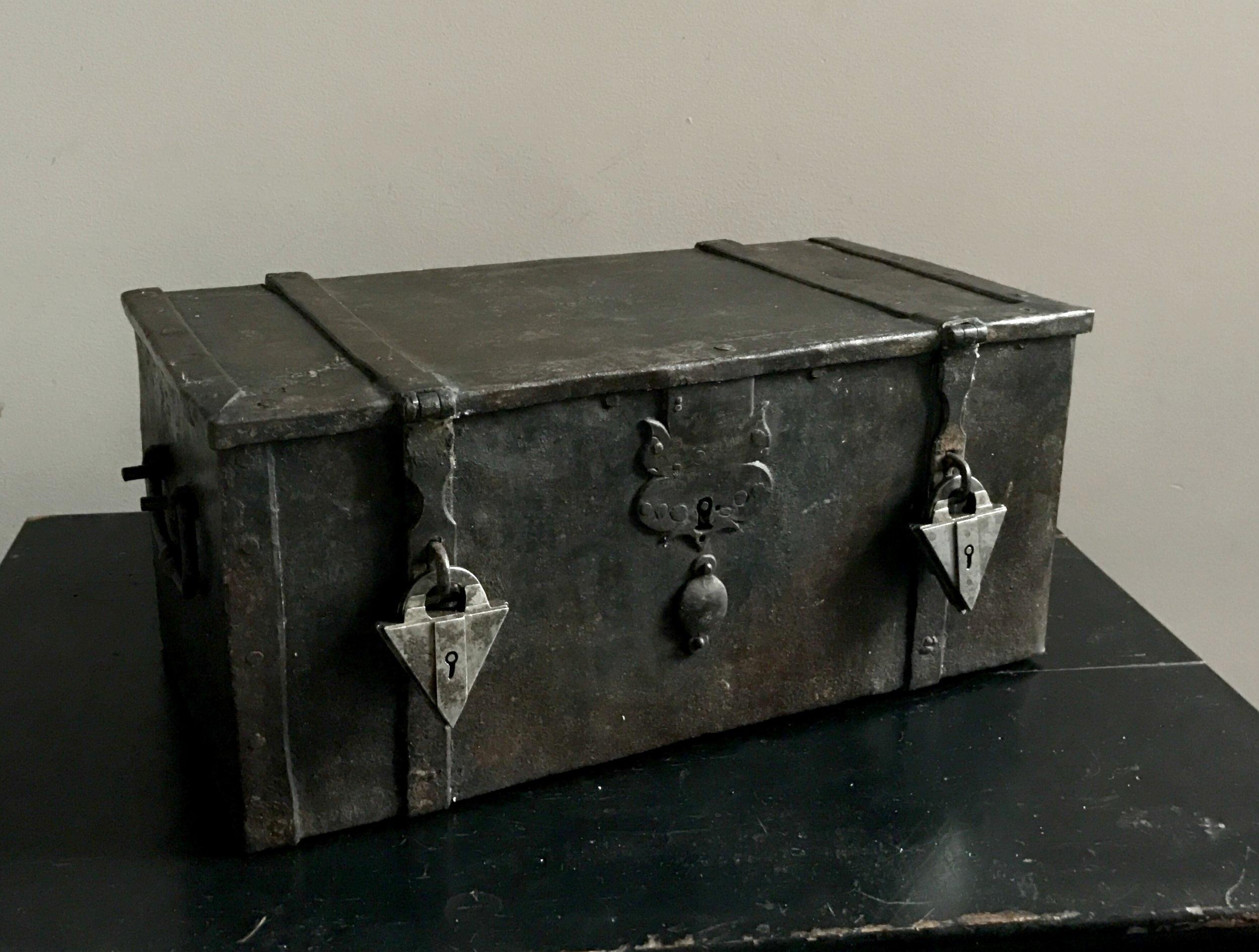 teremok_antiques_german_casket_3.jpg