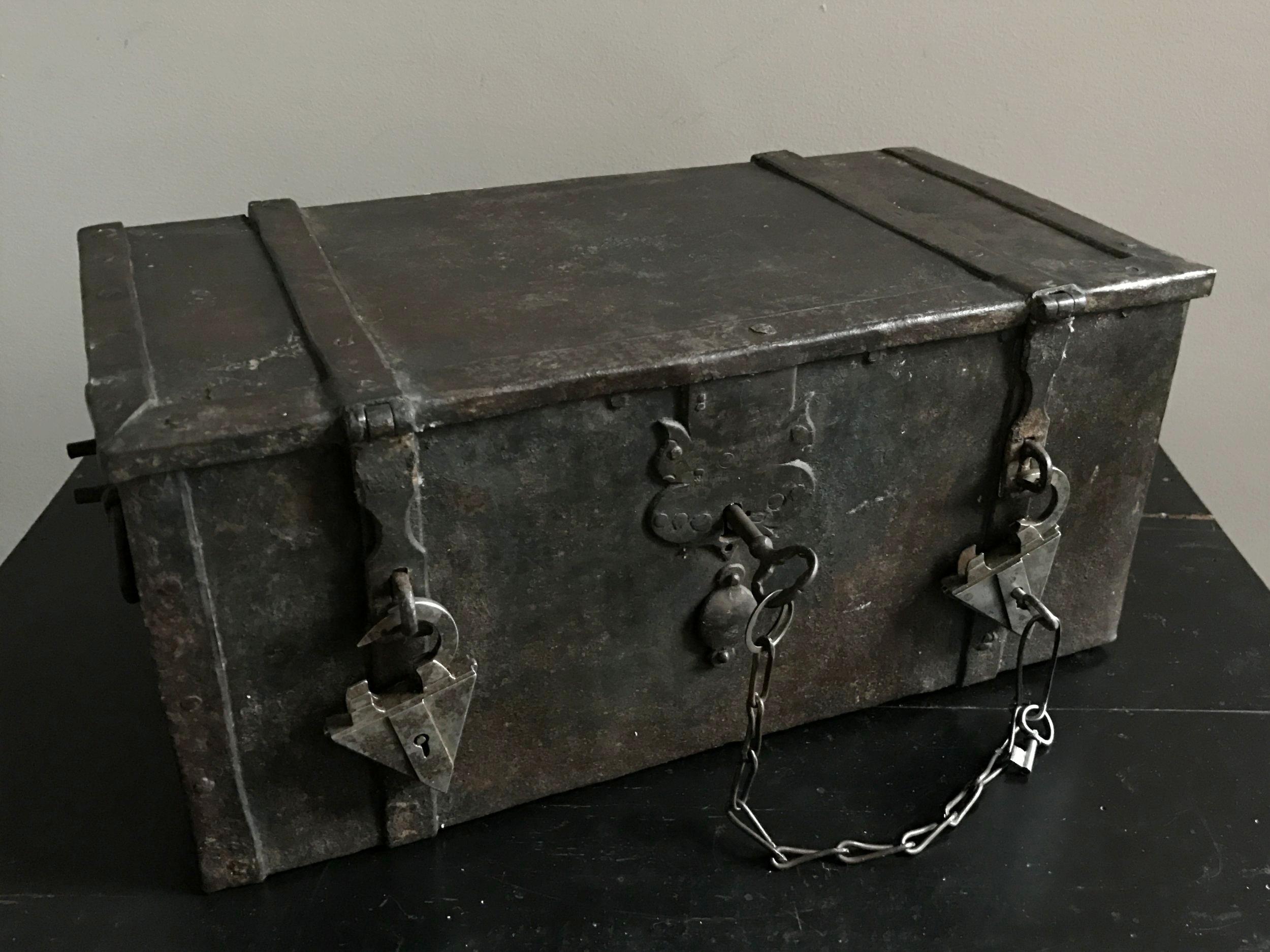 teremok_antiques_german_casket_2.JPG