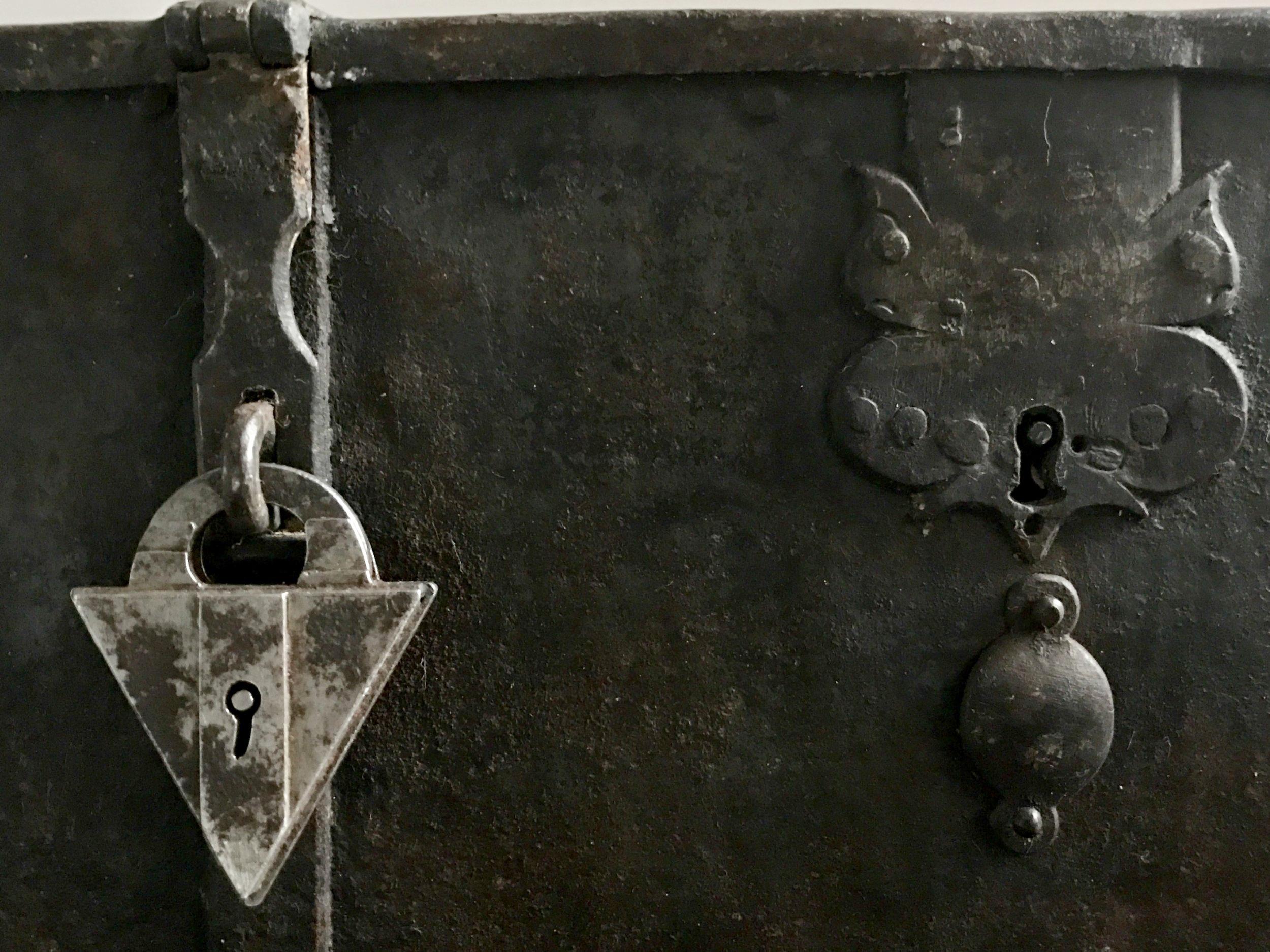 teremok_antiques_german_casket_5.jpg