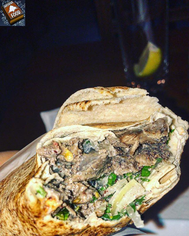 Shawarna wala a7la 😍👍🏻 🥢🥢🥢🥢🥢🥢🥢🥢🥢🥢🥢 📸 @md5h #food #foodlife #shawarma #deli #instagood #instafood #archivelebanon #teamarchivelebanon #archivefood