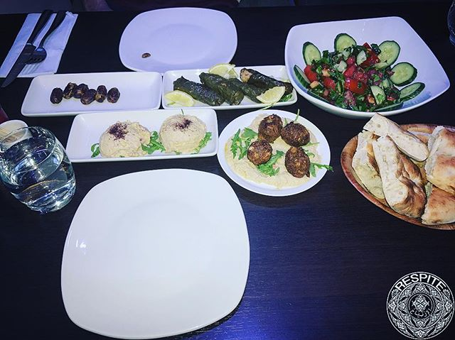 — Meze feast 👌🏻🥙 - - - -#meze #instadaily #mediterranean #lebanon #greece #turkey #cyprus #food #yum #instafood #yummy #amazing #instagood #photooftheday #sweet #fresh #tasty #foodie #delish #delicious #eating #foodpic #foodpics #eat #hungry #hot #foods #dinner