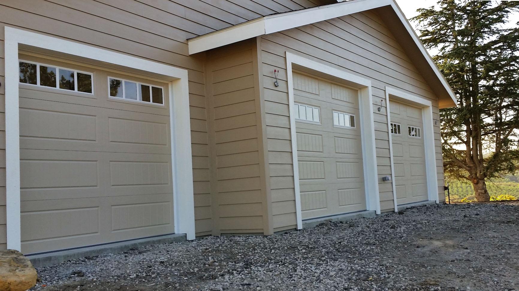 amarr_bead_board_doors.jpg