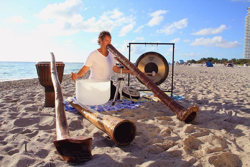 Jared Bistrong: Digital Caveman & Soundhealing Magician