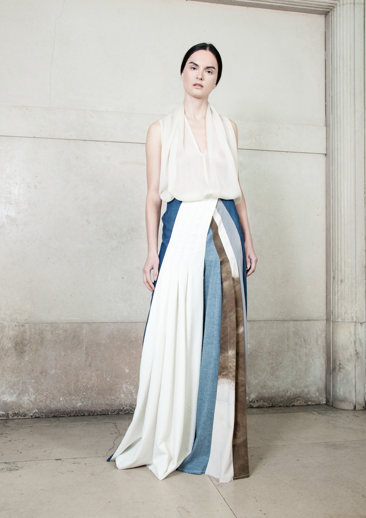 KATRIEN VAN HECKE  // BE     Modern artisanal luxury with a strong focus on hand dyed dresses using silk, wools and recycled blends and natural dyes.