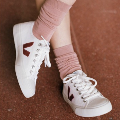 """VEJA // FR •BR  Looking for a """"good"""" sneaker? Fair, organic cotton, soles made of wild rubber, zero stock, you name it...   Visit them."""