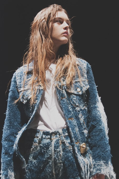 FAUSTINE STEINMETZ // UK  Innovative couture-like weaving on hand-looms using recycling materials such as thrift store jeans.