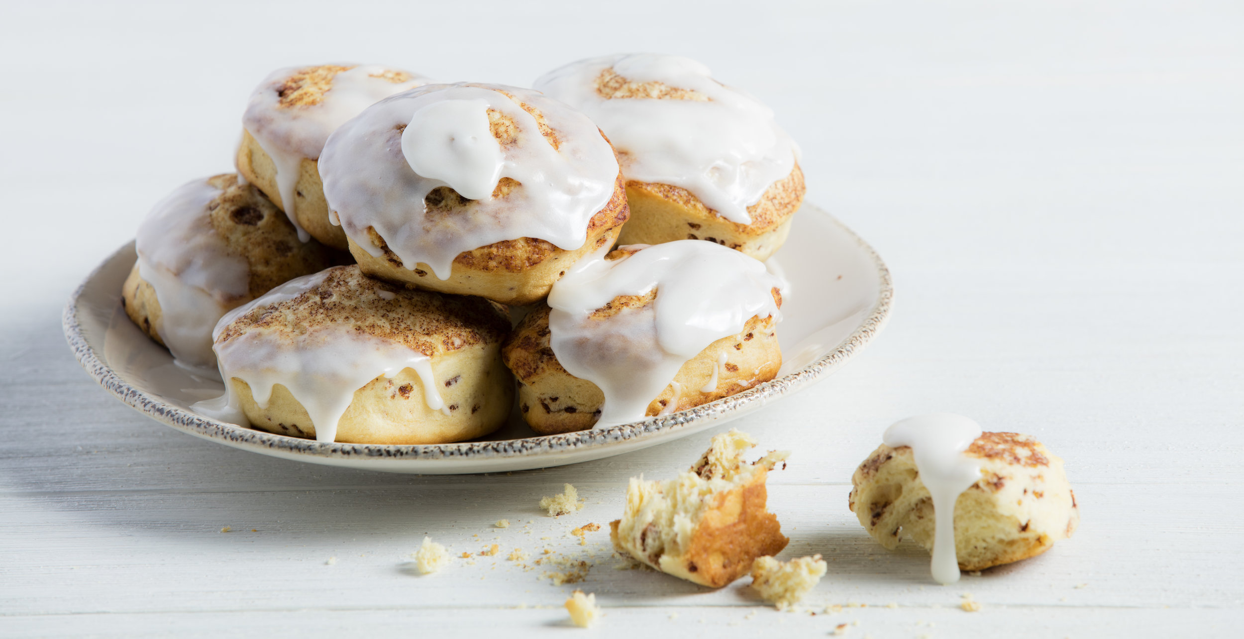 Cinnamon Scones with Melting Icing