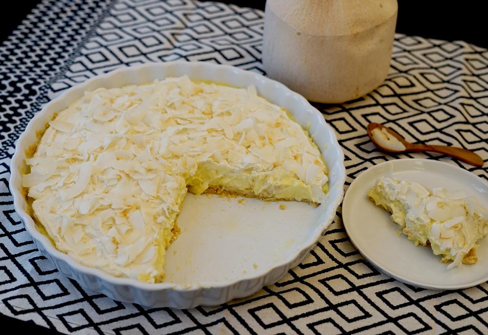Coconut Pie. Kuchen mit Kokos-Pudding. www.newcakesontheblock.com