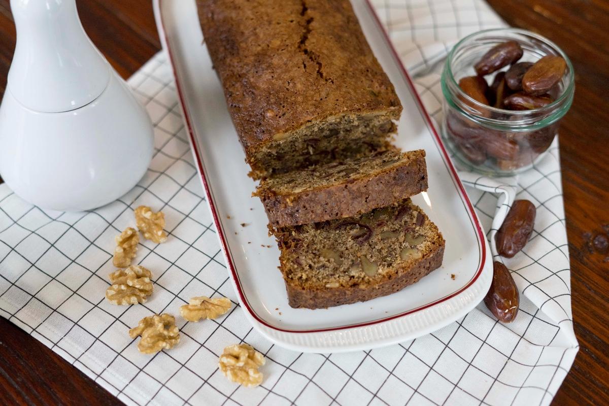 Herbstkuchen mit Walnüssen und Datteln. Foodblog.