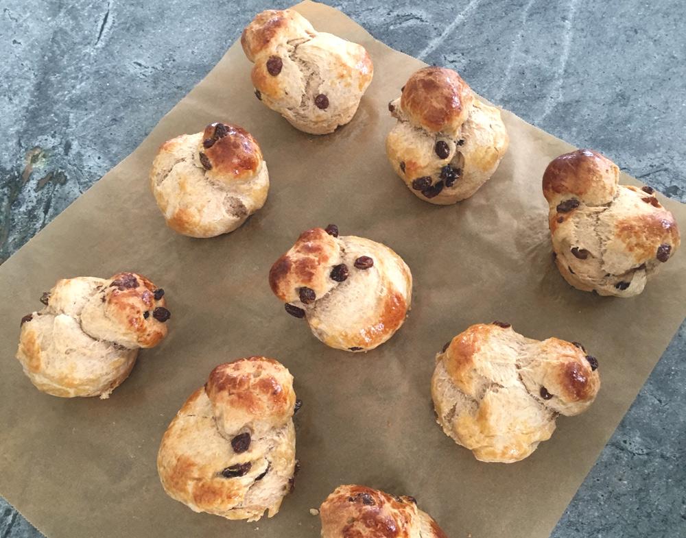 flaumige Mini-Brioches zum Frühstück. New Cakes On The Block