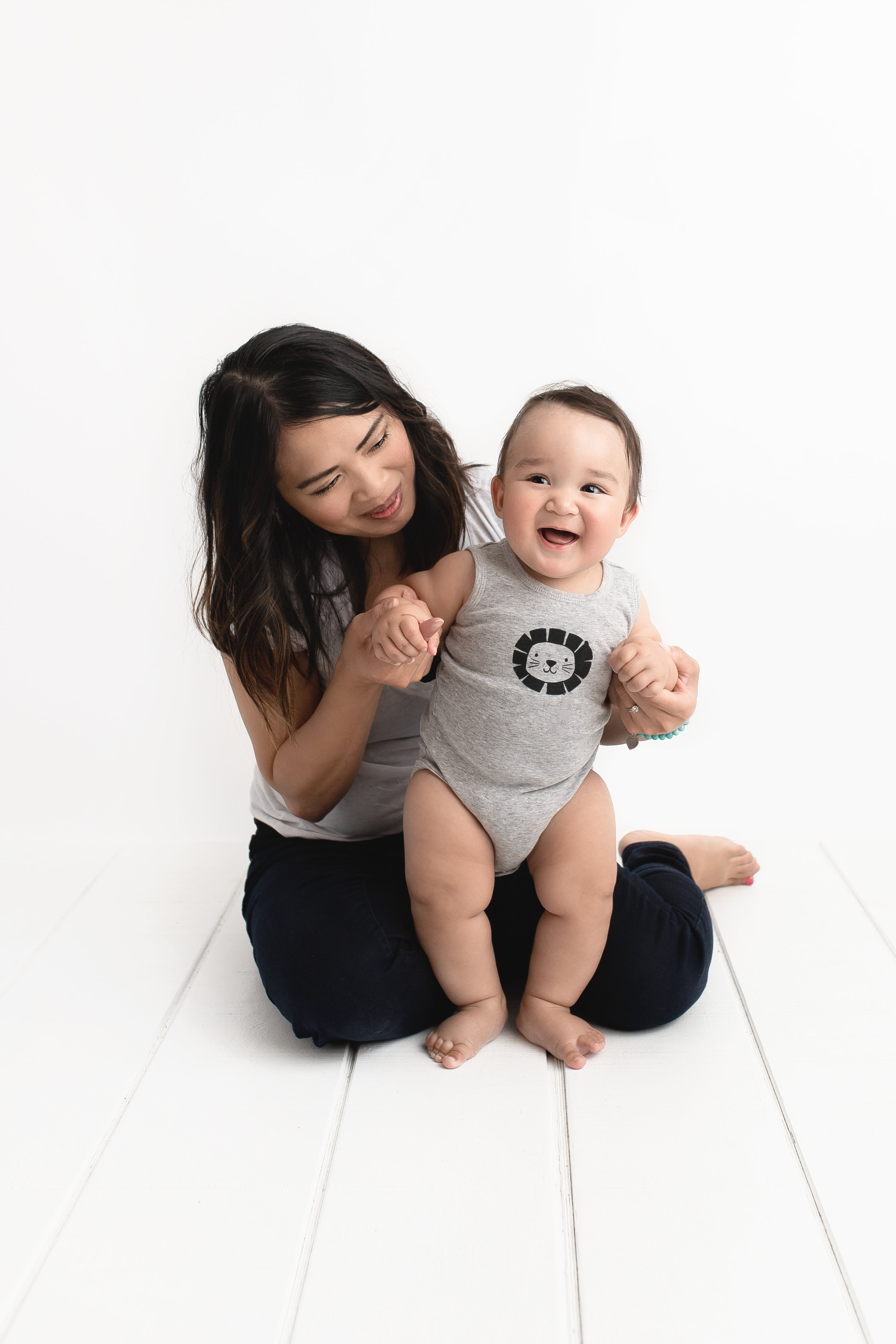 7 months photo session in edmonton