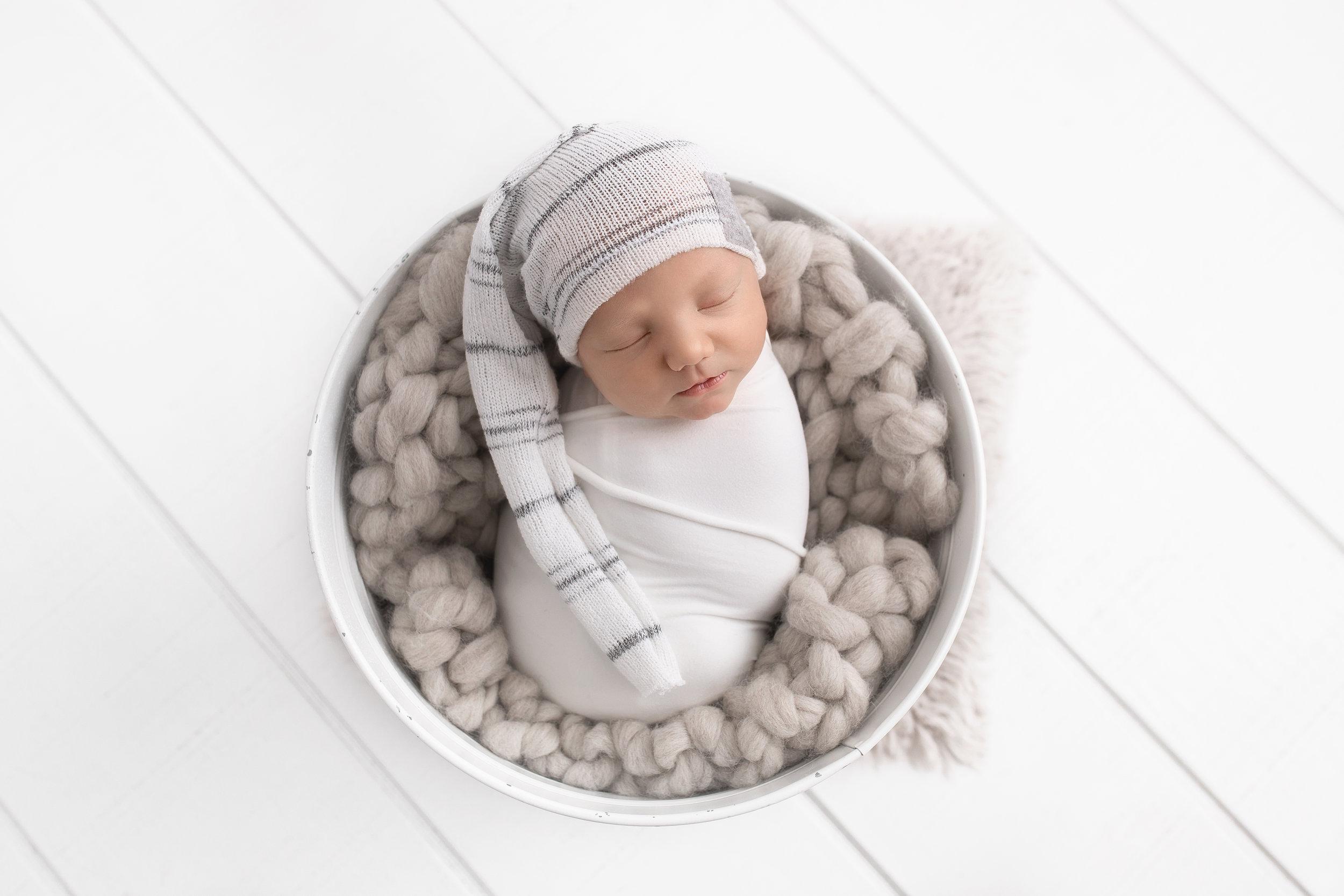 newborn photographer edmonton
