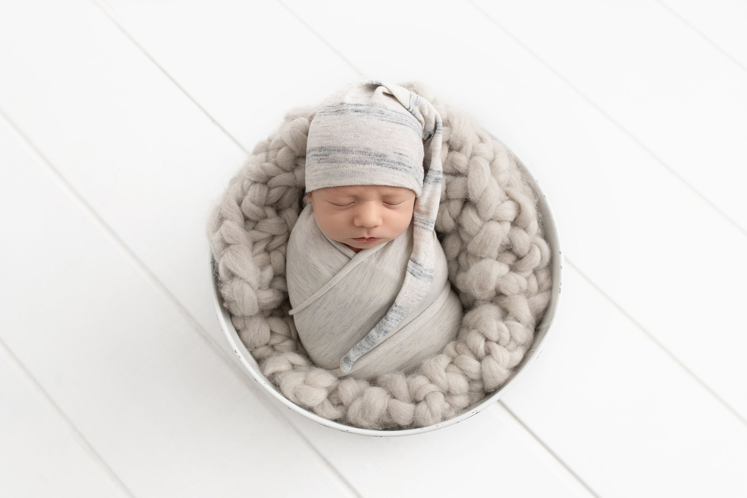 baby photo session edmonton best newborn photographer edmonton blooming bliss photoshoot st-albert