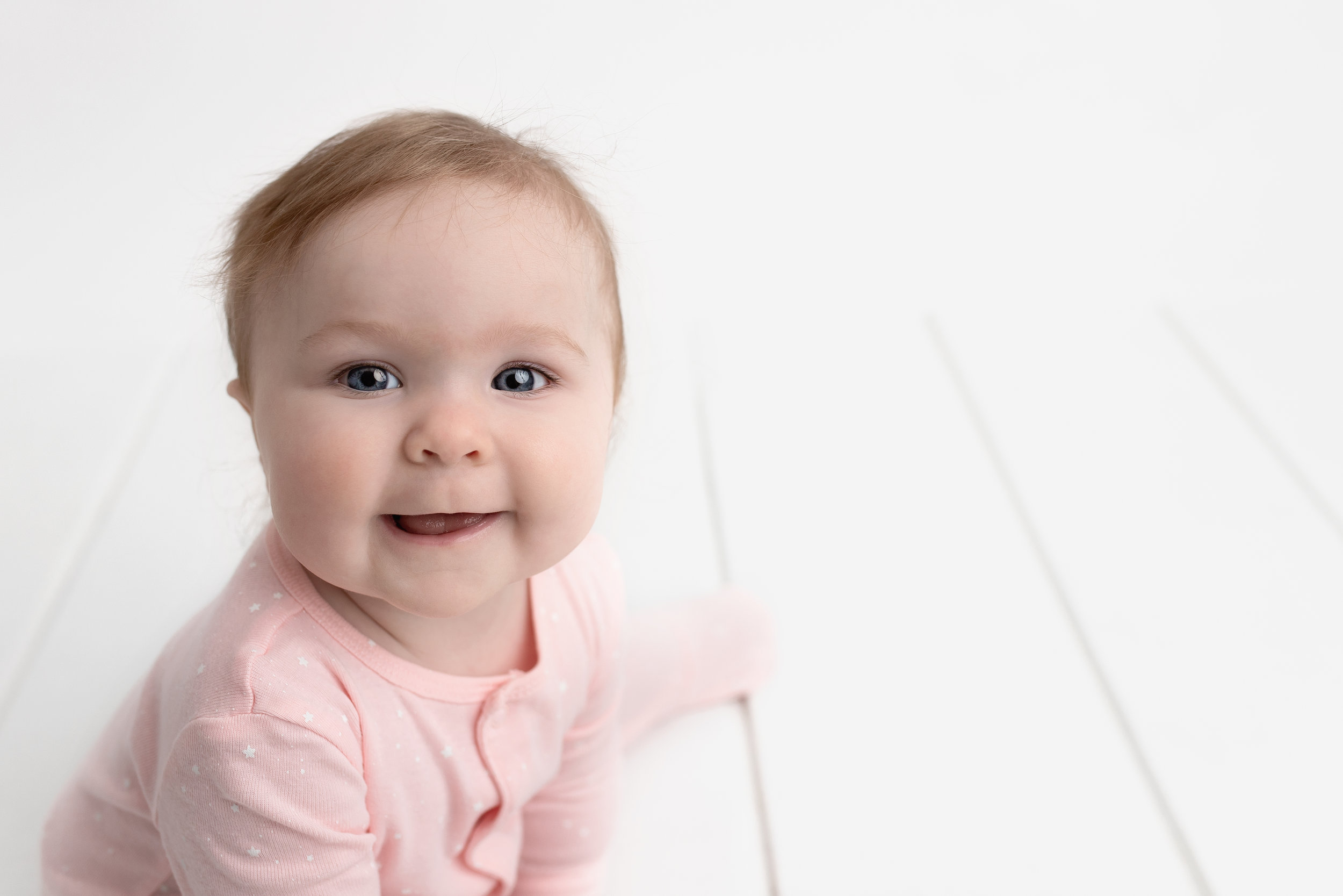 milestone session baby photo session baby photographer edmonton 7 months old baby images photoshoot st-albert