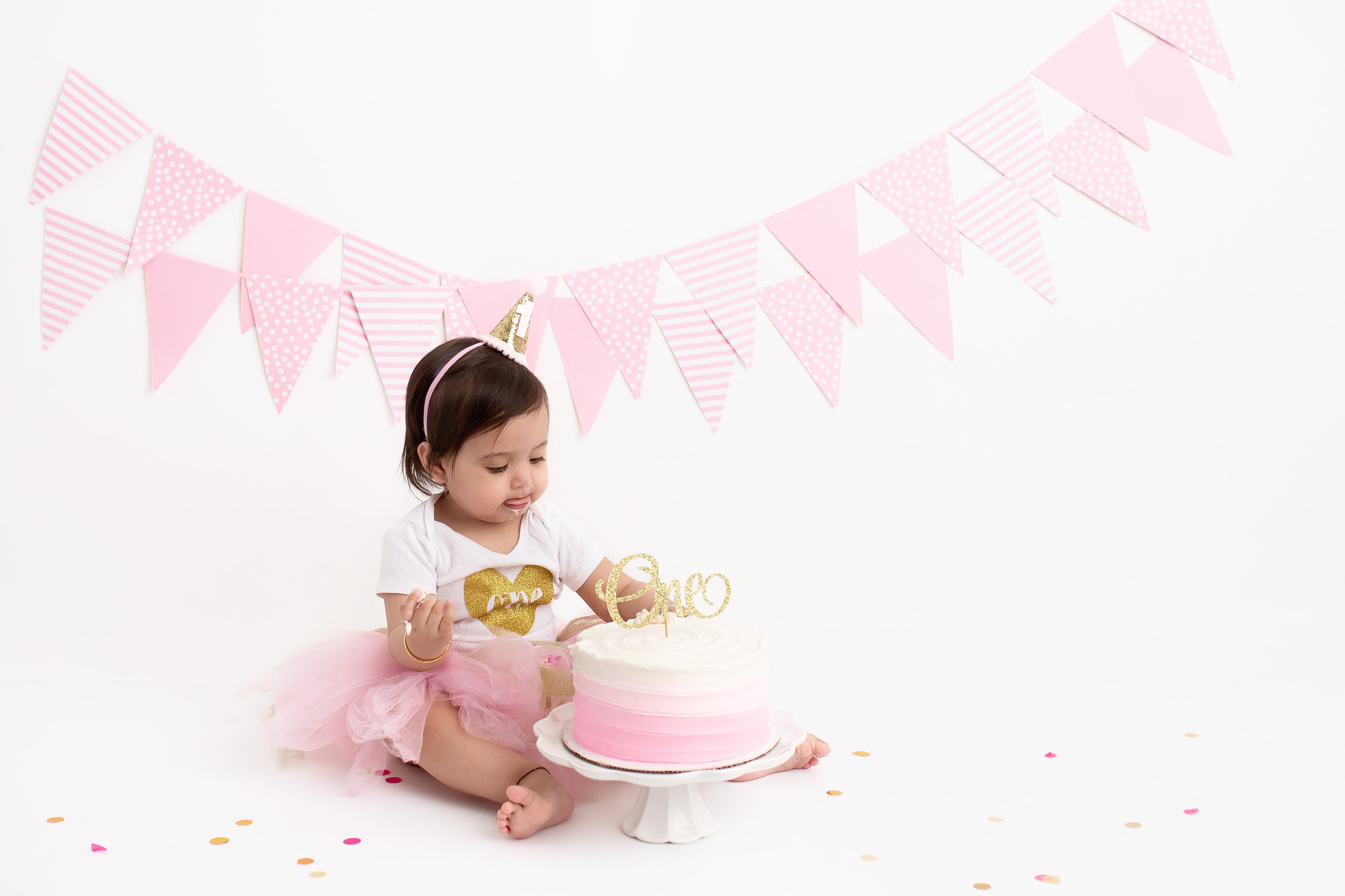 cake smash session edmonton best milestone photo session 1 year old photos photographer st-albert