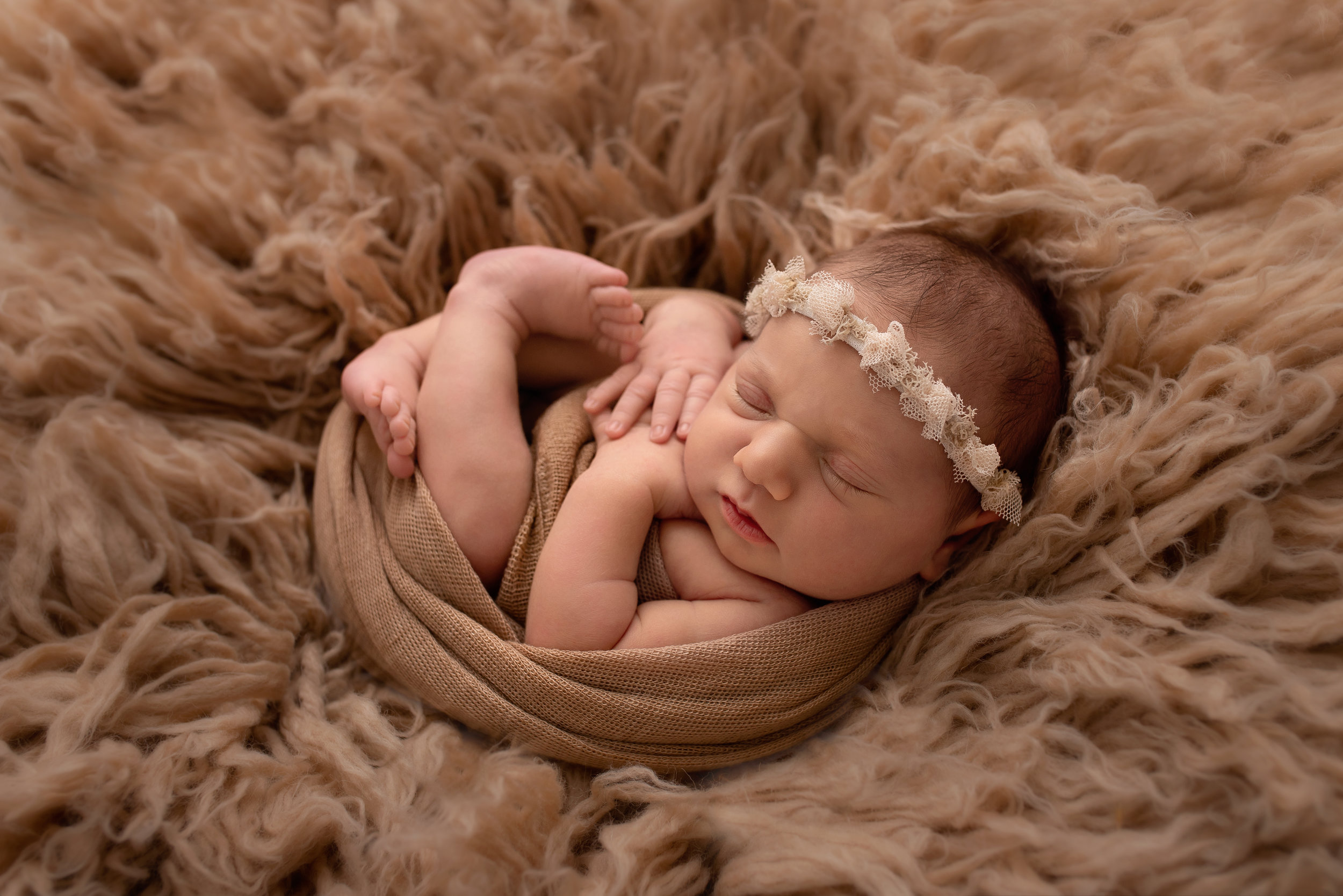 best newborn photographer in edmonton baby photo shoot in st-albert photographer  in alberta family