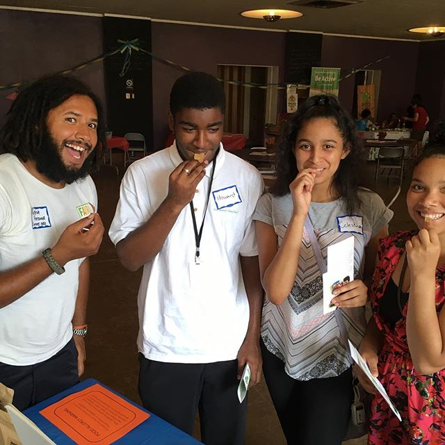 @ecoworks_dyes Youth organized and led (!!!!) Food Access Workshop yesterday with cricket chips, cricket smoothie live performances and presentations from #ecoworksdetroit #youthenergysquad @casscommons #foodjustice