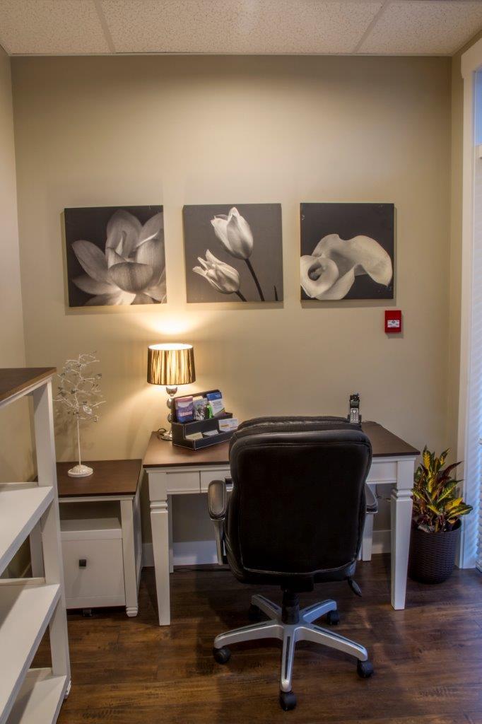 Seasons Mediations - small office.jpg
