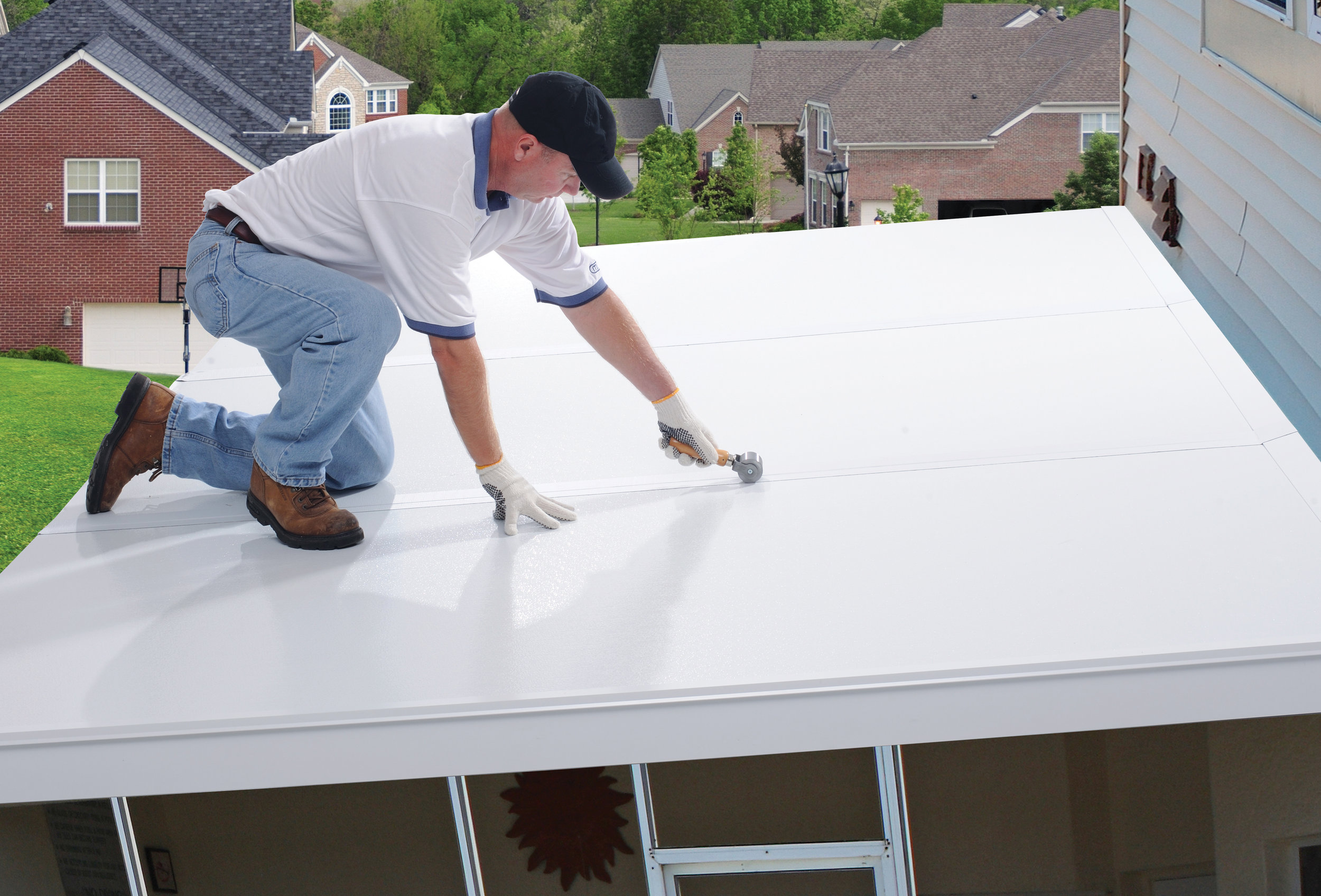 Peel & Seal® PowerBond™ White 250 was designed to seal the seams on insulated aluminum panel systems to prevent water infiltration at this critical juncture.