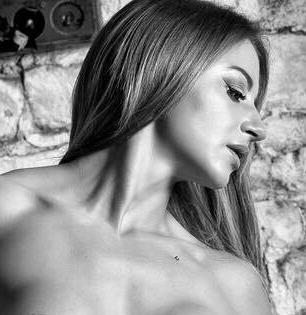 FetCat model Honey Bella