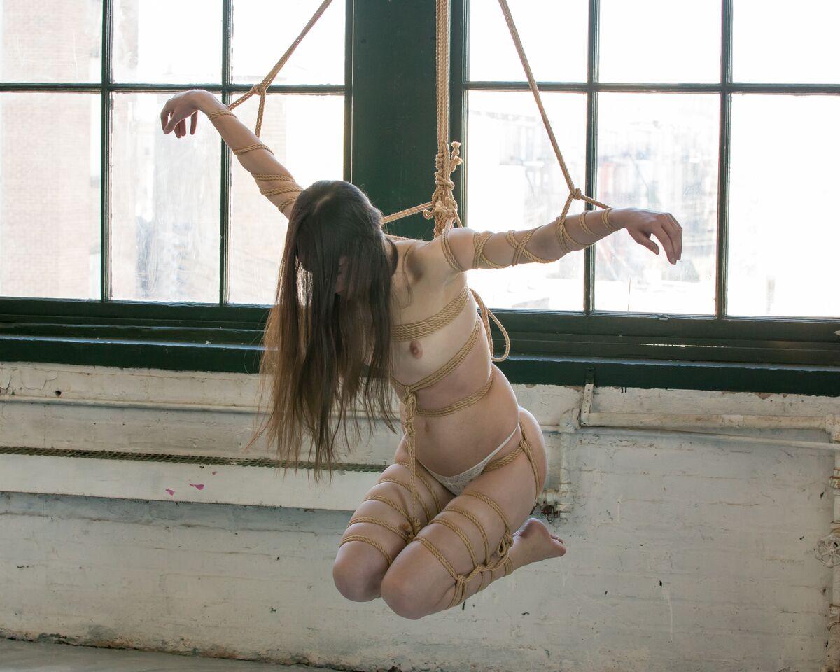 Model Dakota Snow - Photographer fas.foto - Rigger JD Silver