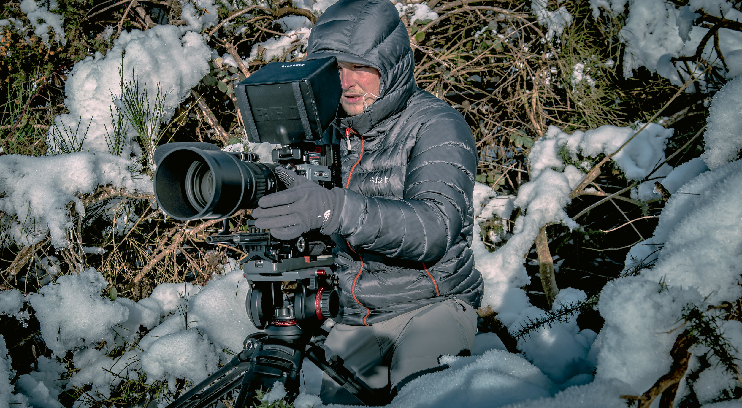 Filming In Snow4_1.jpg