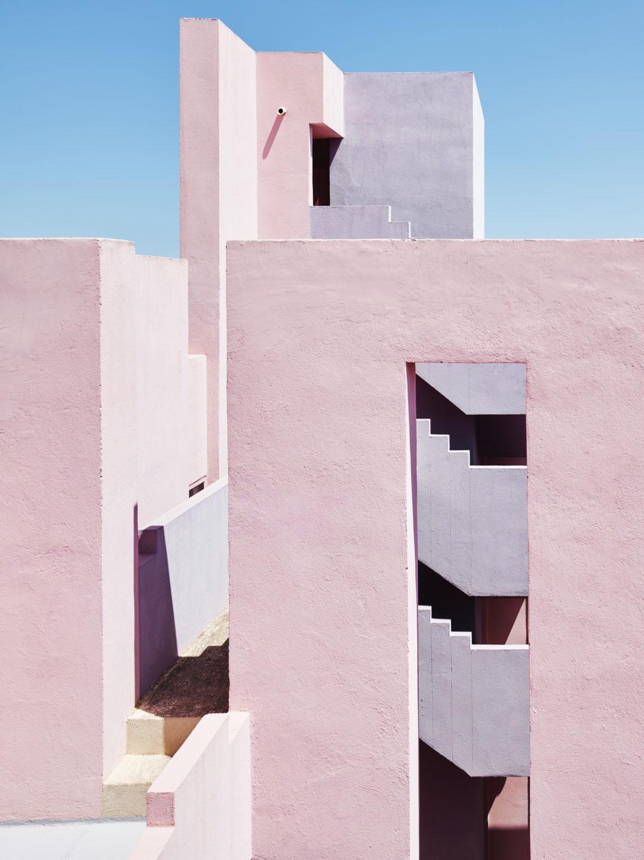 Muralla_Roja_Calpe_Spain_Ricardo_Bofill_Taller_Arquitectura_012-1078x1440.jpg