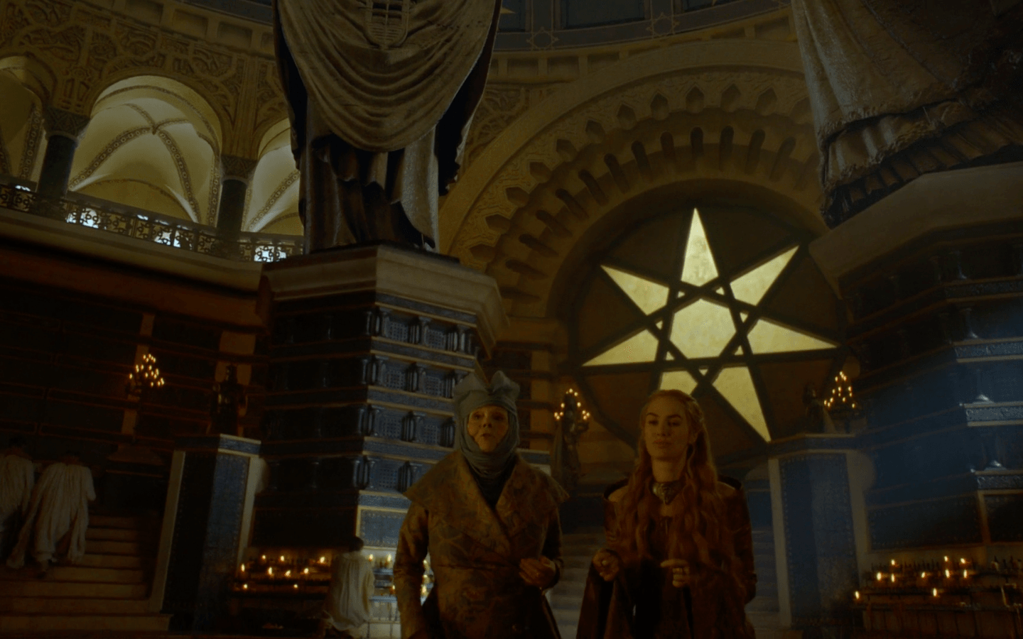 Two beautiful high-born ladies taking a stroll at the Sept of Baelor | HBO
