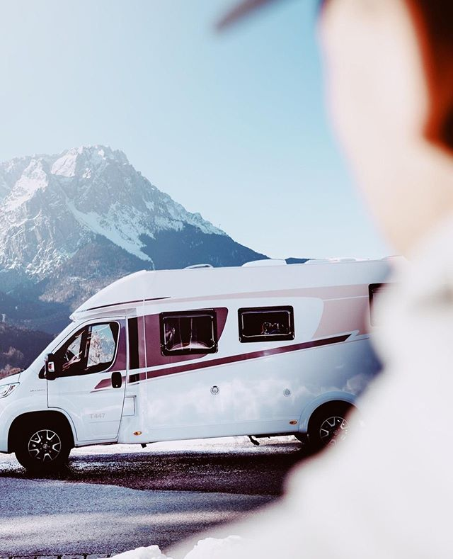 Place with a view. Beautiful, #sunshine, beautiful #bavaria - #photoshooting in #garmischpartenkirchen for @carado_official⁣ ⁣ ________________________⁣ ⁣ #campervan #vanlife #vanlifediaries #travel #homeiswhereyouparkit #roadtrip #vanlifers #camper #adventuremobile #campvibes #adventure #camping #vanlifeideas #wanderlust #camperlife #vanlifeexplorers #vancrush #explore #bayern #visitbavaria #travelgram #instatravel #travelphotography