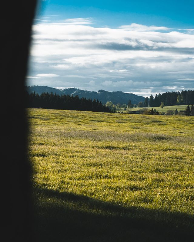 Good Morning #Allgäu⠀ ________________________⁣⠀ ⁣⠀ ⁣⠀ #travel #instagood #wanderlust #explore #landscape #outdoors #naturelovers #naturephotography #instatravel #travelgram #nature #hiking #adventure #beautifuldestinations #traveling #travelphotography #thegreatoutdoors #alps #germanroamers #nature #sunset #dawn #alm