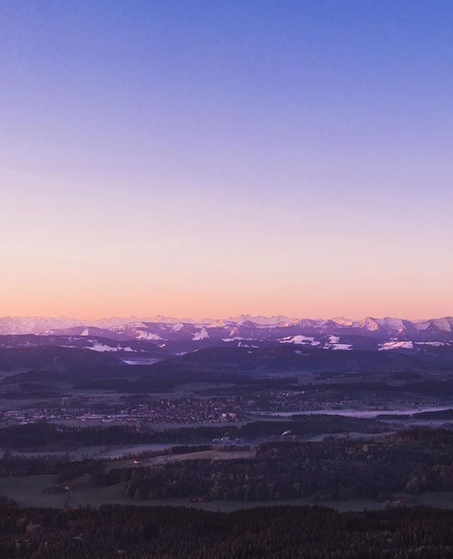 Good Morning #Allgäu⠀ ________________________⁣⠀ ⁣⠀ ⁣⠀ #travel #instagood #wanderlust #explore #landscape #outdoors #naturelovers #naturephotography #instatravel #travelgram #nature #hiking #adventure #beautifuldestinations #traveling #travelphotography #thegreatoutdoors #alps #germanroamers #nature #sunset #dawn #tomtautz #dronenature #dji