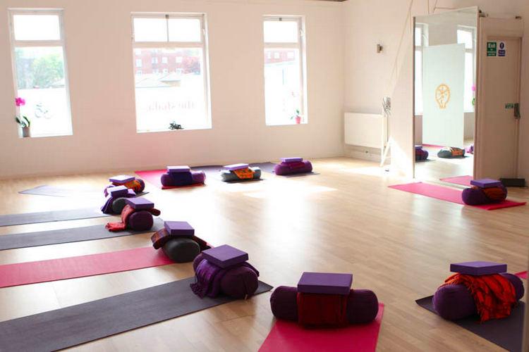 Yin Yoga London.jpg