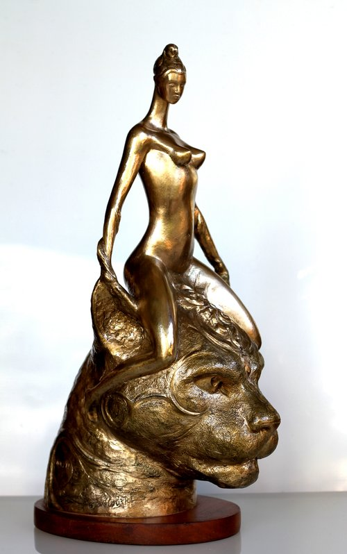RUDOLF SOKOLOVSKI  Queen (side view) Original Polished bronze 22 x 13 x 10 inches