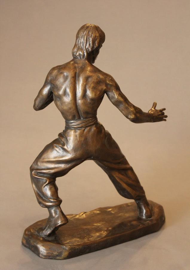 CAO CHONGEN  Bruce Lee - Back View Bronze 16.5 X 13.5 X 13