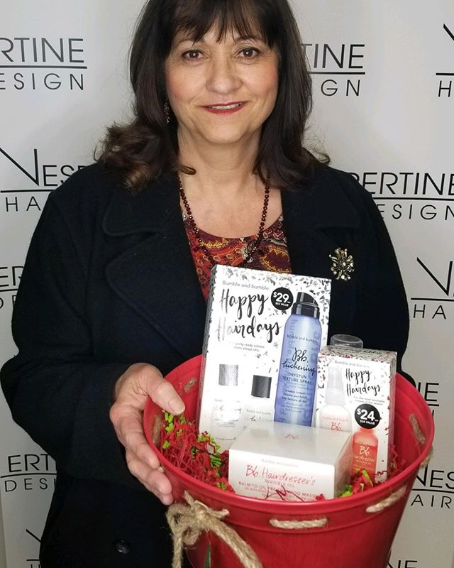 2018 Christmas Basket Winner!! #christmasgiveaway#vespertinehairdesign#clients#beauty#ontariosalon#inlandempiresalon#ontariomills#bumbleandbumble#hairproducts#hairjunkies#goodhairday#winner