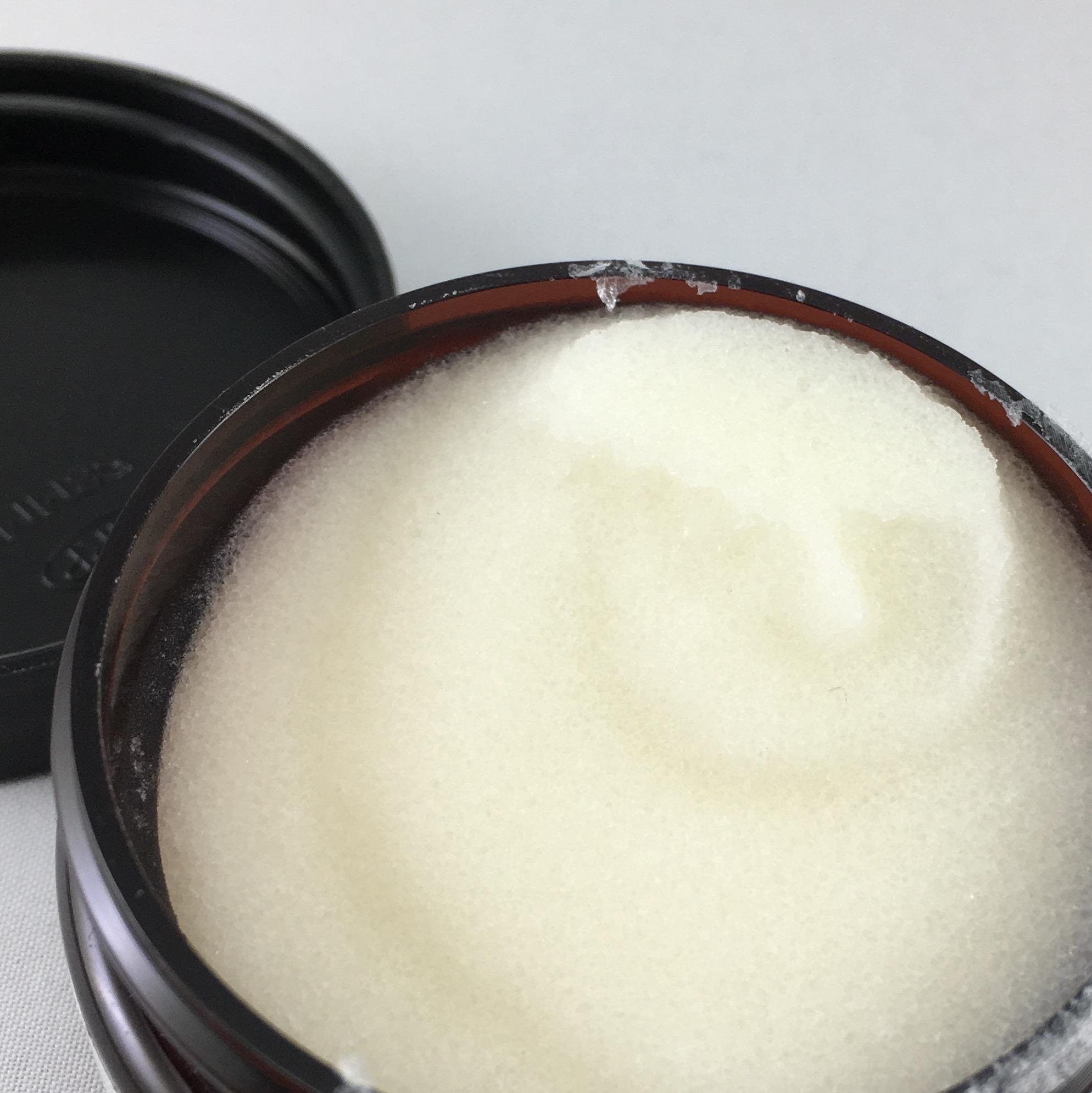 white-russian-sugar-scrub-detail.jpg