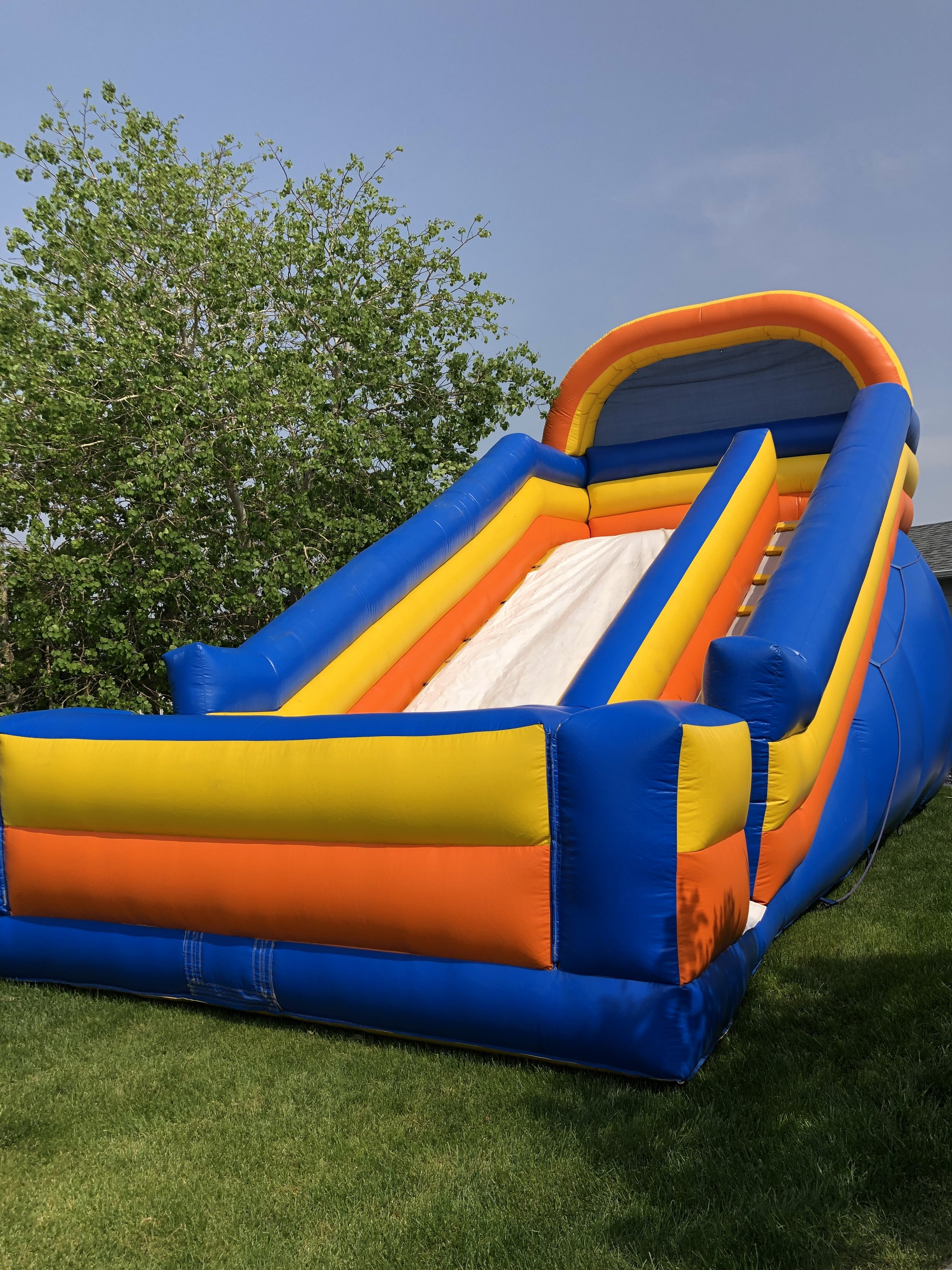 18' Silly Slide3 Hours - $3296 Hours - $379 - 30'L x 17'W x 18'H (actual size)32'L x 20'W x 20'H (size required for setup)