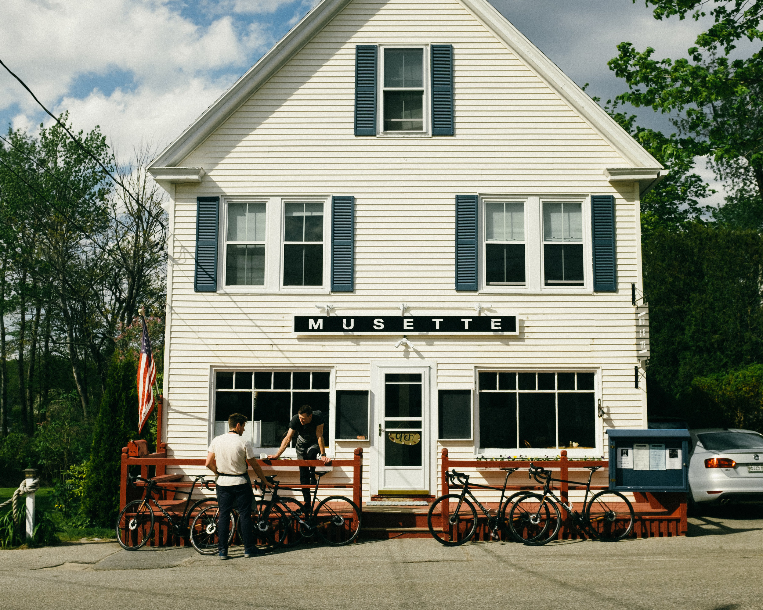 Exclusive Stay At Musette Restaurant    Kennebunkport, Maine   The spiritual home of NTSQ Velo in the picturesque Cape Porpoise community. The brainchild of NTSQ Velo co-founder's Jonathan Cartwright and Travis McKenzie.  A stay at Musette includes an exclusive Chef's Dinner with Jonathan Cartwright, a guided 2-wheel tour of coastal Maine, bike rental and cycling kit. Dates are limited from May - Oct.   Register interest