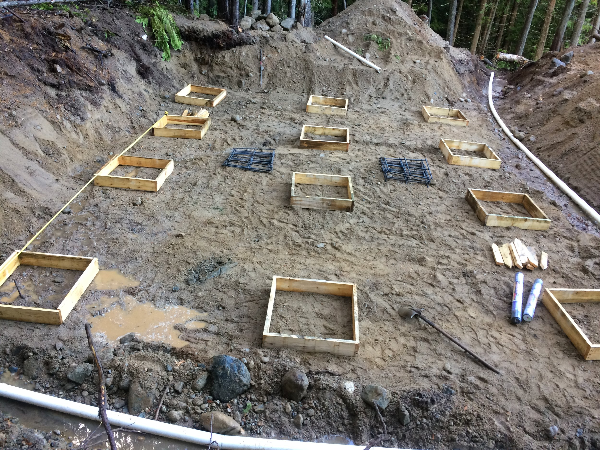 PIER FOOTINGS IN BULK EXCAVATION  WITH DRAIN TILE