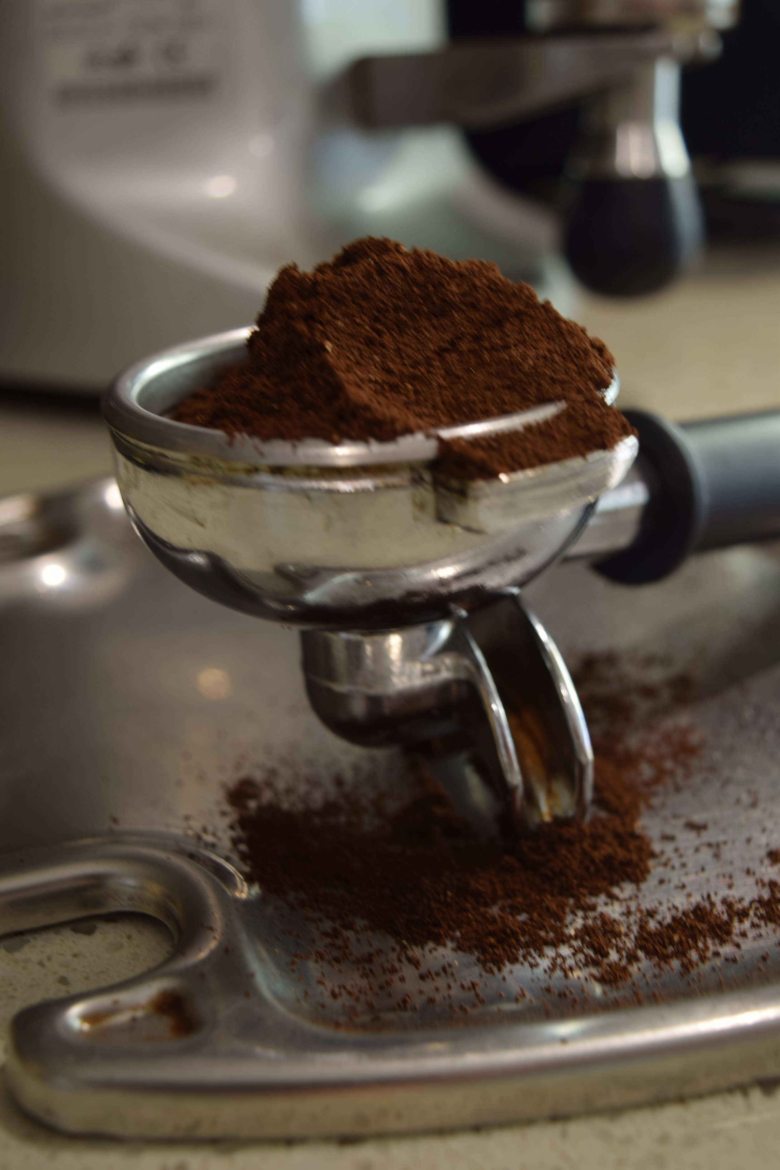 Roasted coffee grinds