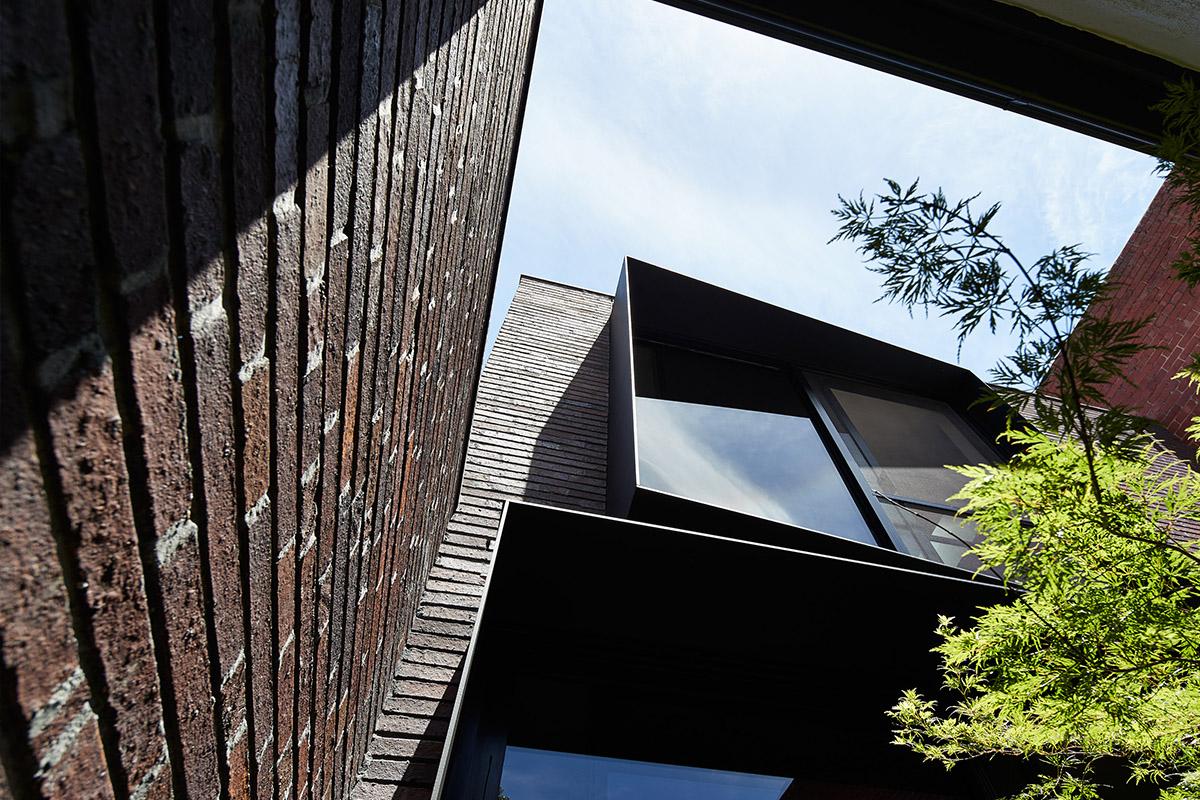 Carlton Home - Grampian Blue Emperor bricksMORE